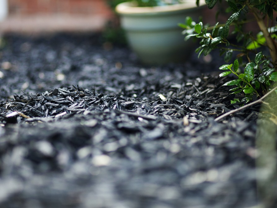 Black Landscaping Mulch